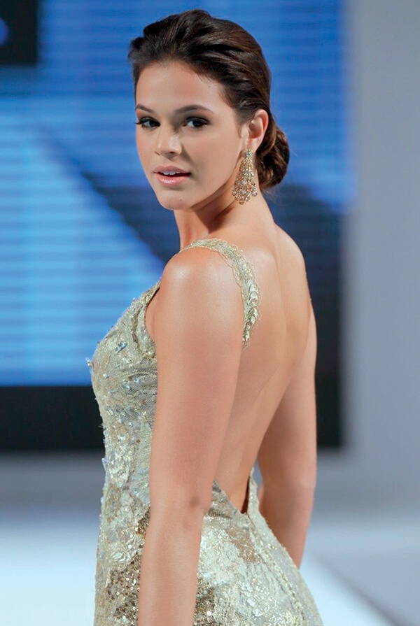 Bruna-Marquezine-2