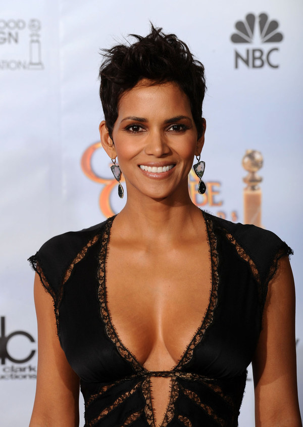 halle-berry-pictures-1469593383_600x0