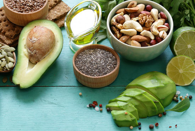 high-fat-plant-foods-containing-omega-3-fatty-acids-including-olive-oil-avocado-nuts-and-seeds-15731211222251372363990